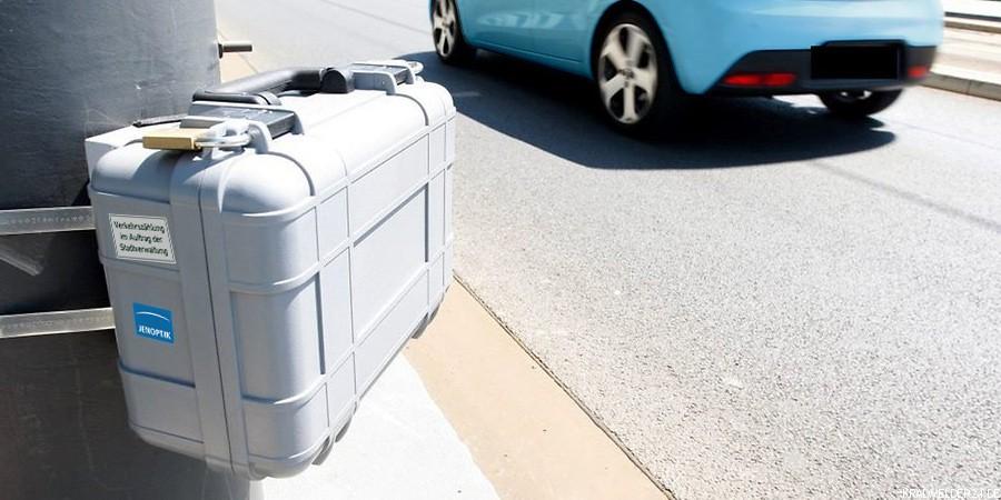 Geheimnissvolle Blitzer-Koffer?