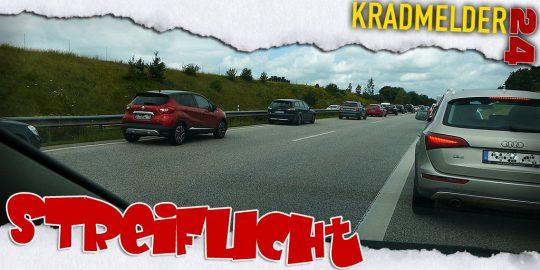 Rettungsgasse auf Autobahn