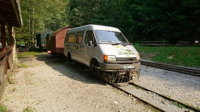 Der Betriebsdienst benutzt auch solche Fahrzeuge.