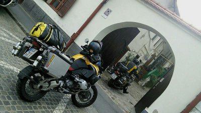Toreinfahrt zum Roten Hahn, unserer Unterkunft in Hermannstadt.