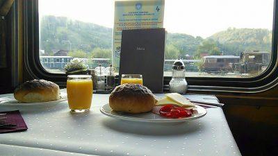 Karpatenexpress: letztes Frühstück in Rumänien.